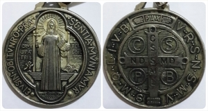 Crux Sancti Patris Benedicti (Salib Bapa Suci Benediktus)