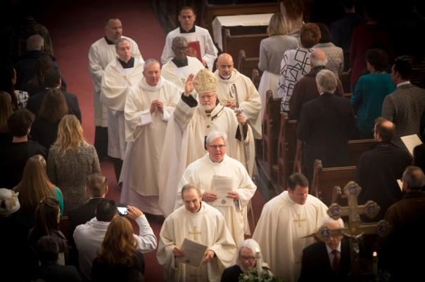 Prosesi penutup sambil pemberian berkat oleh Kardinal O'malley (Sumber: aleteia.org)