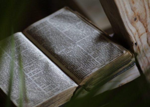 Kitab Suci (Sumber: epicpew.com)